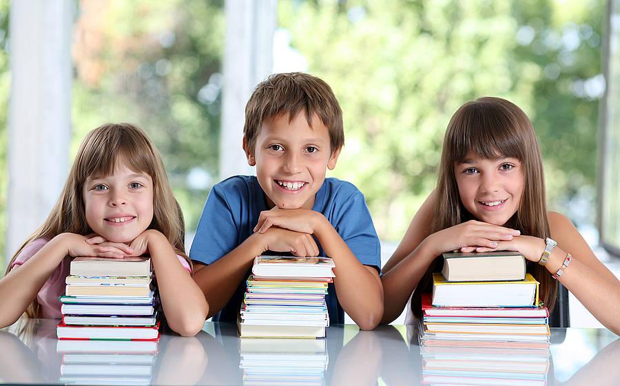 Как научить ребенка быстро читать (52 фото): методика и упражнения по скорочтению, учим легко читать по слогам в домашних условиях