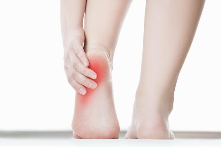 Болят пятки: 13 причин и лечение в домашних условиях 11