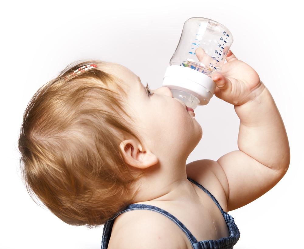 70Почему грудничок пьет воды много