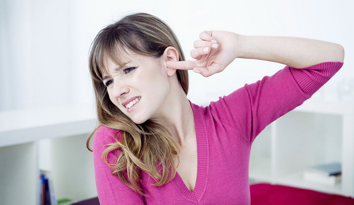Если постоянно чешется в ухе. Почему чешутся ушные раковины снаружи