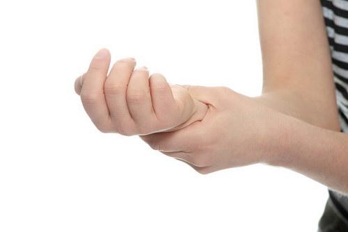 Не чувствую руку от локтя до кисти