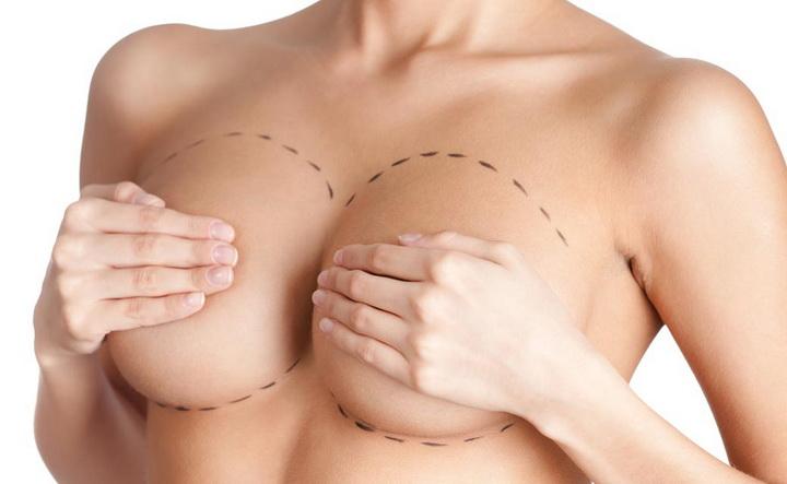От чего зависит размер груди у женщины?