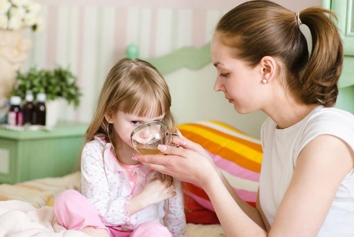 Как сбить температуру у ребенка в домашних условиях?