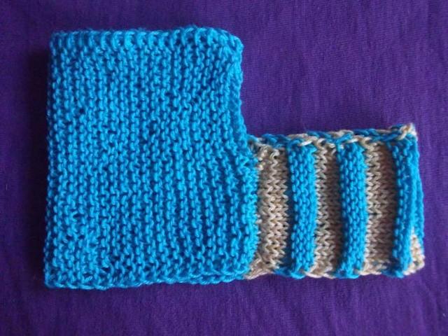 Гармошка и вязаное полотно