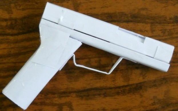 как сделать пистолет из бумаги_0