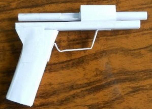 как сделать пистолет из бумаги_7