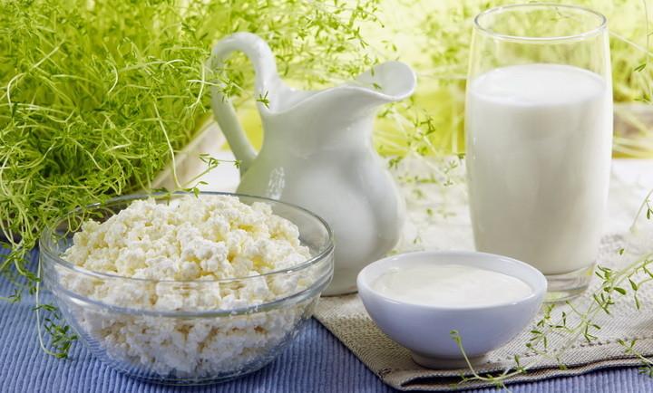 Можно ли пить прокисшее молоко: выбросить нельзя использовать, почему скисает молоко