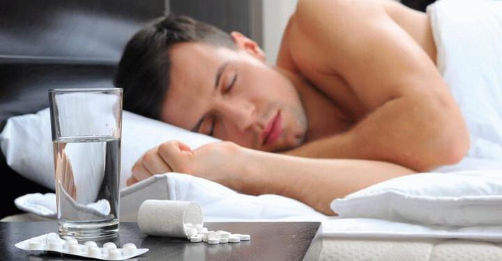 Почему текут слюни во время сна у взрослого и ребенка