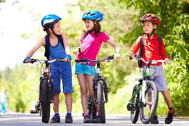 Картинки по запросу фото дети на велосипеде в шлеме