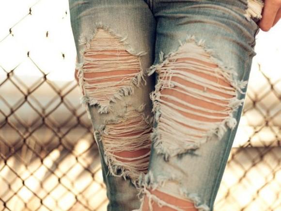 сделать дырявые джинсы