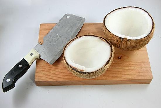 Как открыть кокос ножом