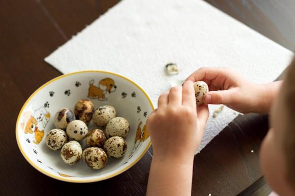 Сколько надо варить перепелиные яйца вкрутую