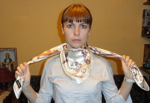 Завязываем ковбойский узел из платка 1