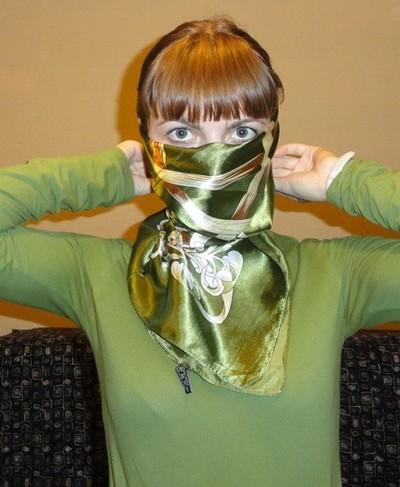 Завязываем платок узлом черепаха 3