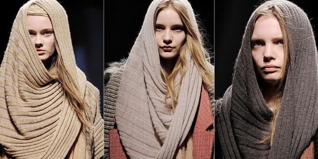 Завязываем зимний шарф капюшоном