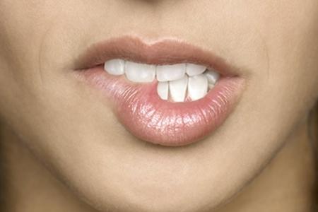 Почему пересыхают губы