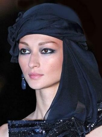 как можно носить платок на голове